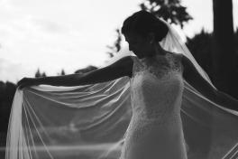abito sposa con velo